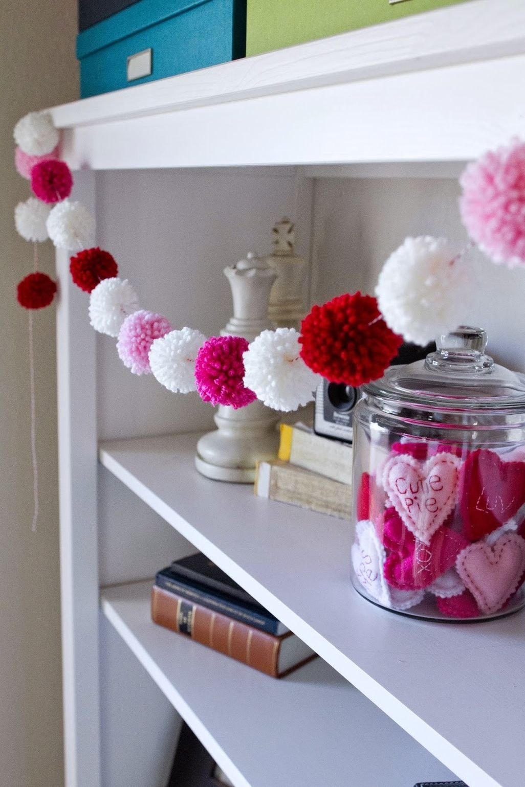 Fun And Festive Way Decorate Your Home For Valentine 33
