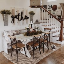 Inspiring Rustic Farmhouse Dining Room Design Ideas 18