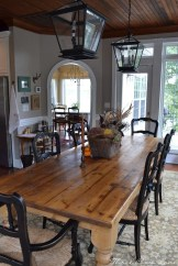 Inspiring Rustic Farmhouse Dining Room Design Ideas 28
