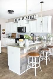 Inspiring Rustic Farmhouse Dining Room Design Ideas 41