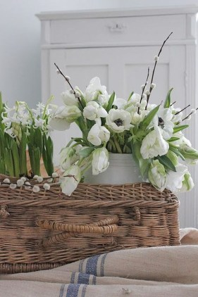 Minimalist Scandinavian Spring Decoration Ideas For Your Home 38