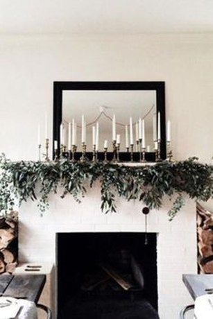 Warm And Cozy Classic Winter Home Decoration Ideas 17