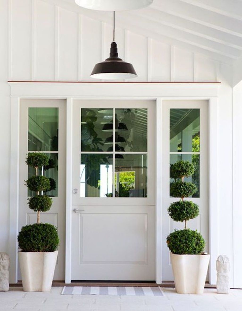 Adorable Farmhouse Spring And Summer Porch Decoration Ideas 27
