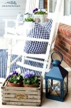 Adorable Farmhouse Spring And Summer Porch Decoration Ideas 30