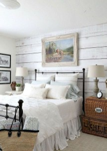 Awesome Rustic Farmhouse Bedroom Decoration Ideas 13