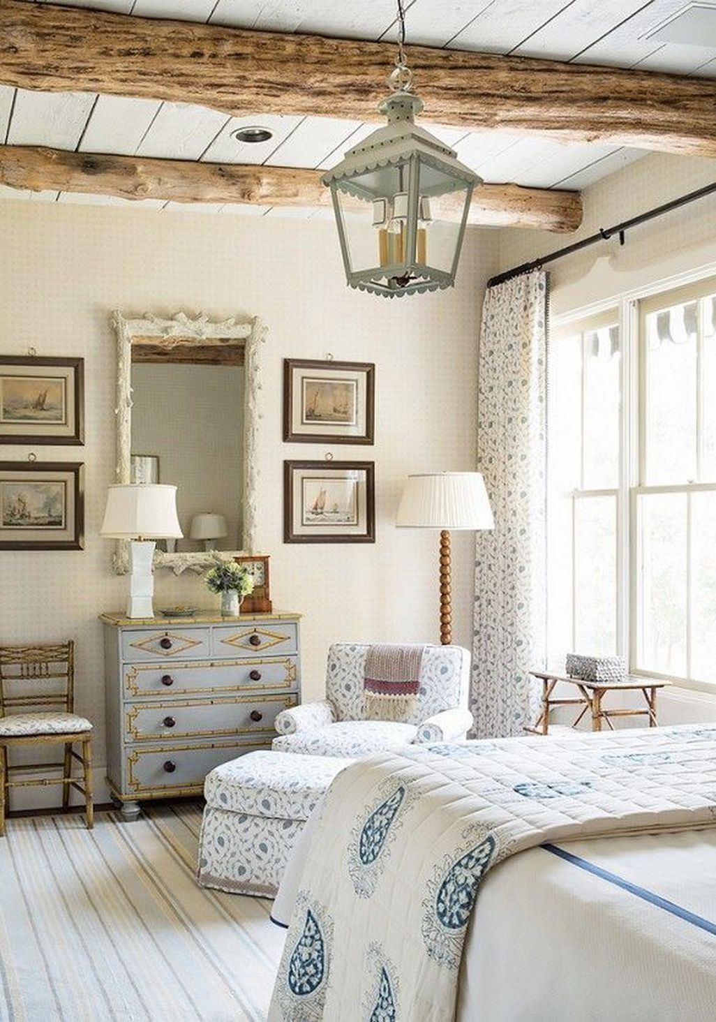Awesome Rustic Farmhouse Bedroom Decoration Ideas 31