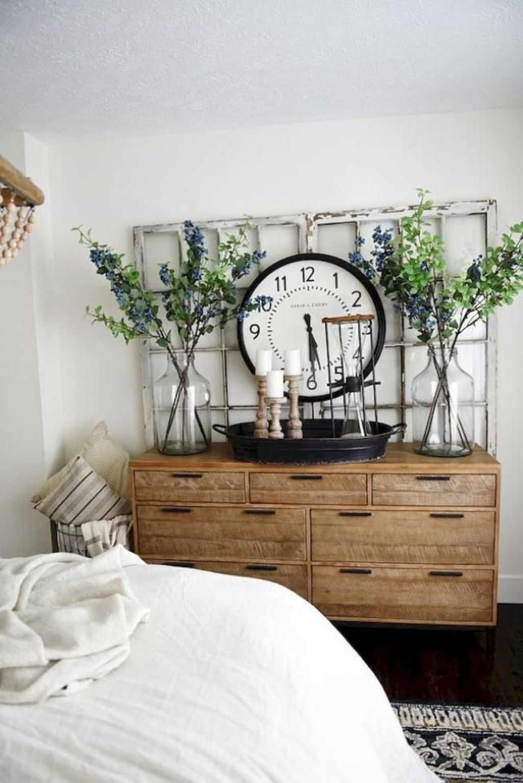 Awesome Rustic Farmhouse Bedroom Decoration Ideas 43