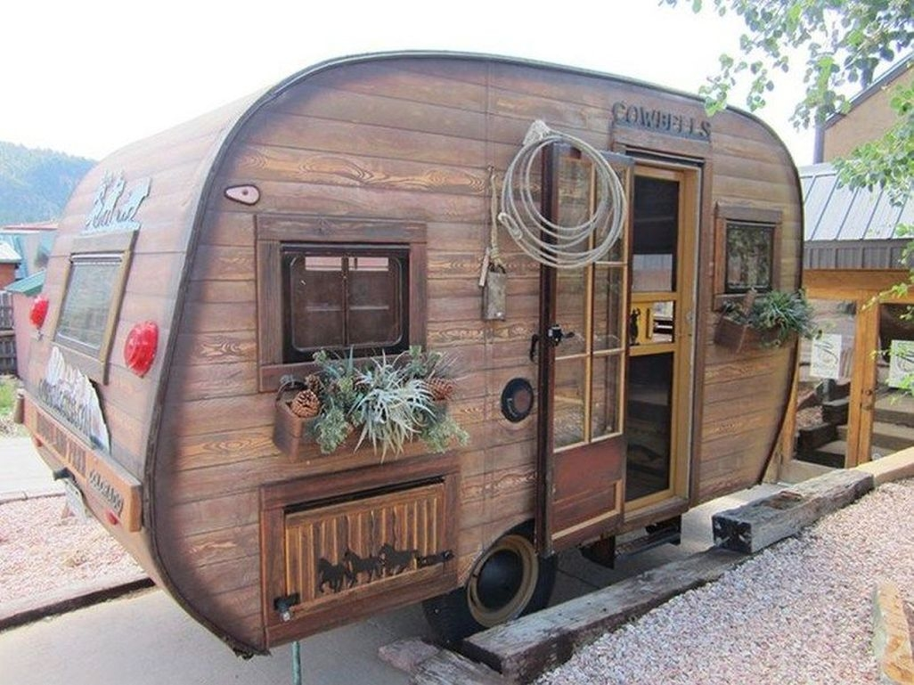 Awesome Rv Living Remodel Design Ideas 34