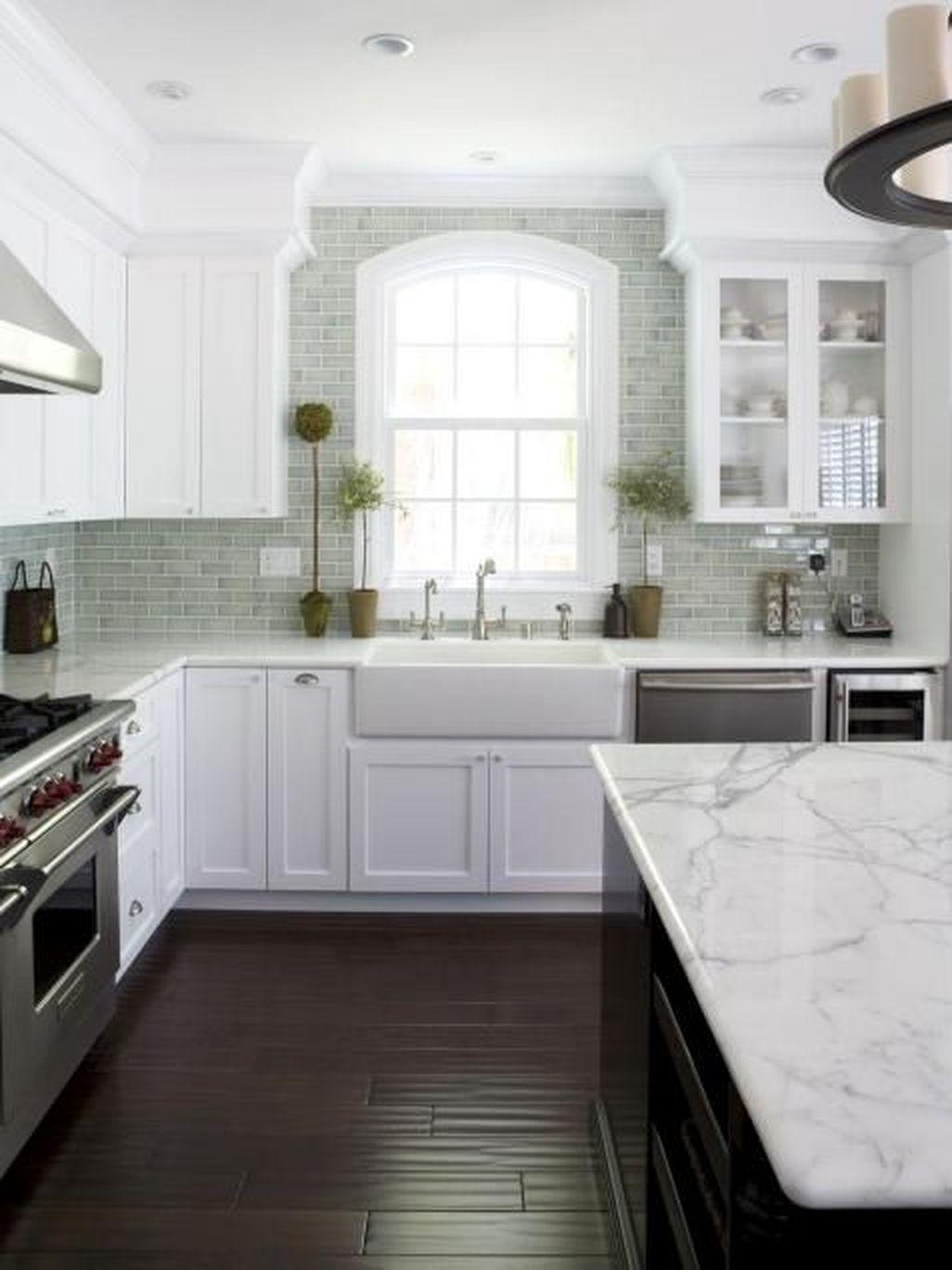 Awesome White Kitchen Backsplash Design Ideas 19