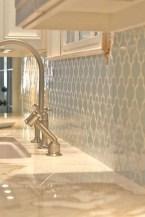 Awesome White Kitchen Backsplash Design Ideas 30