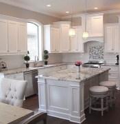 Awesome White Kitchen Backsplash Design Ideas 35