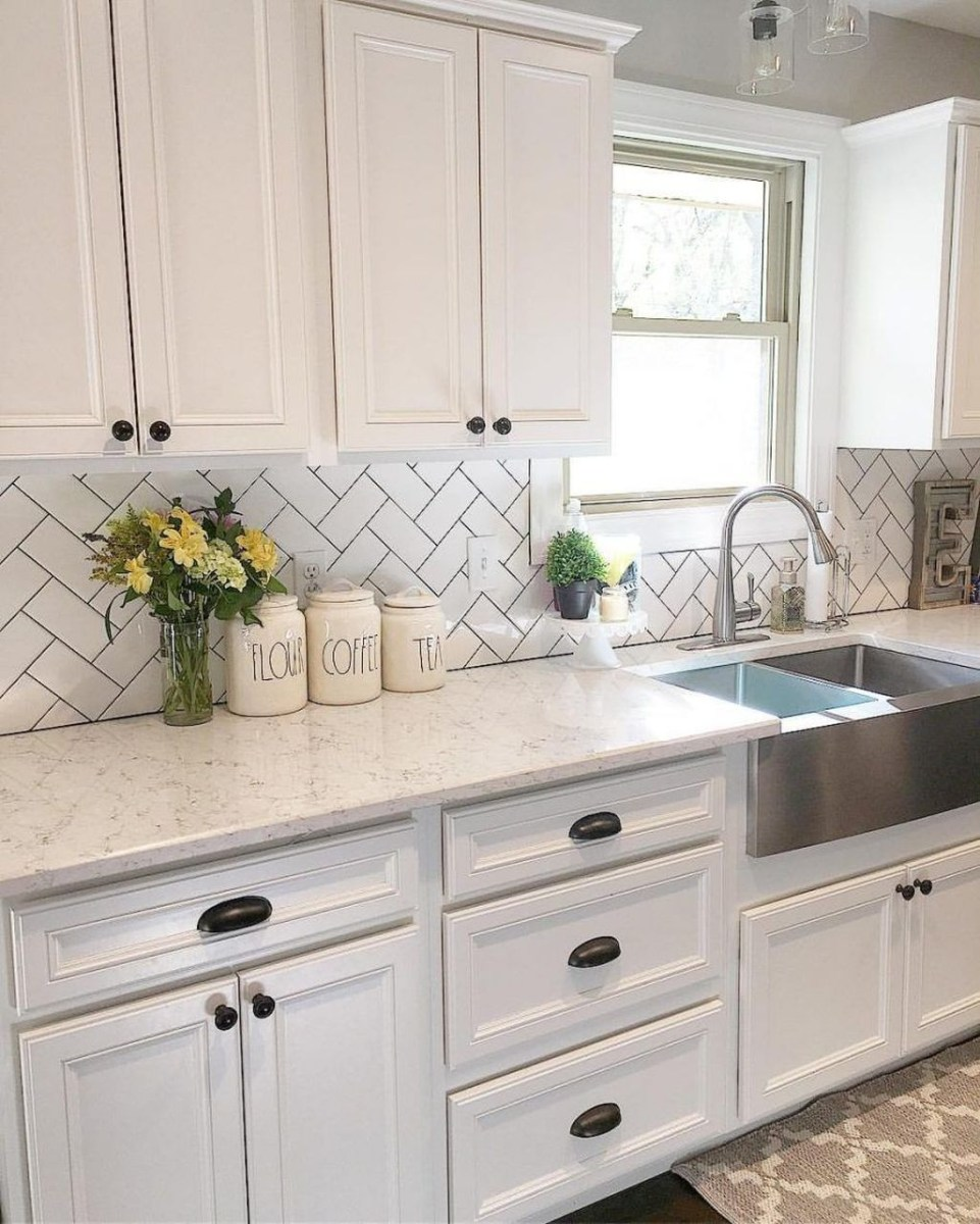 Awesome White Kitchen Backsplash Design Ideas 36