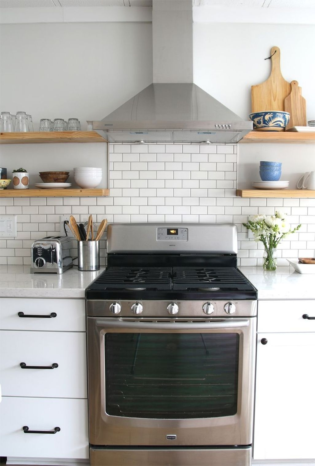 Awesome White Kitchen Backsplash Design Ideas 37