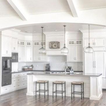 Best White Kitchen Cabinet Design Ideas 11