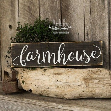 Cute Farmhouse Decoration Ideas Suitable For Spring And Summer 19