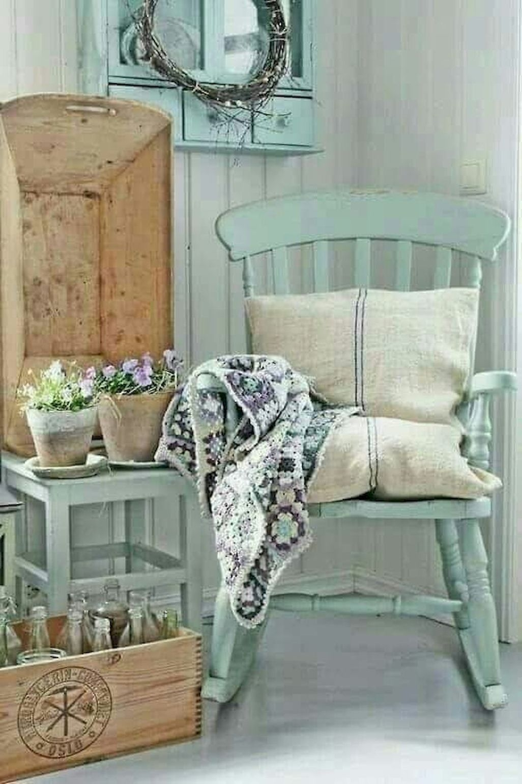 Cute Farmhouse Decoration Ideas Suitable For Spring And Summer 20