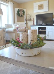 Cute Farmhouse Decoration Ideas Suitable For Spring And Summer 32
