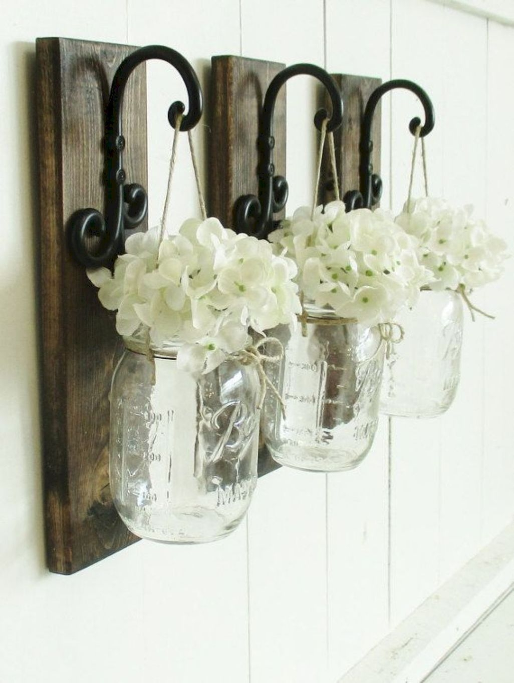 Cute Farmhouse Decoration Ideas Suitable For Spring And Summer 40