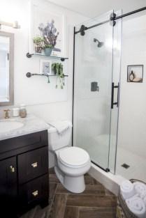 Fresh Rustic Farmhouse Master Bathroom Remodel Ideas 10