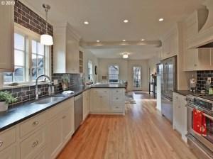 Modern And Minimalist Kitchen Decoration Ideas 01