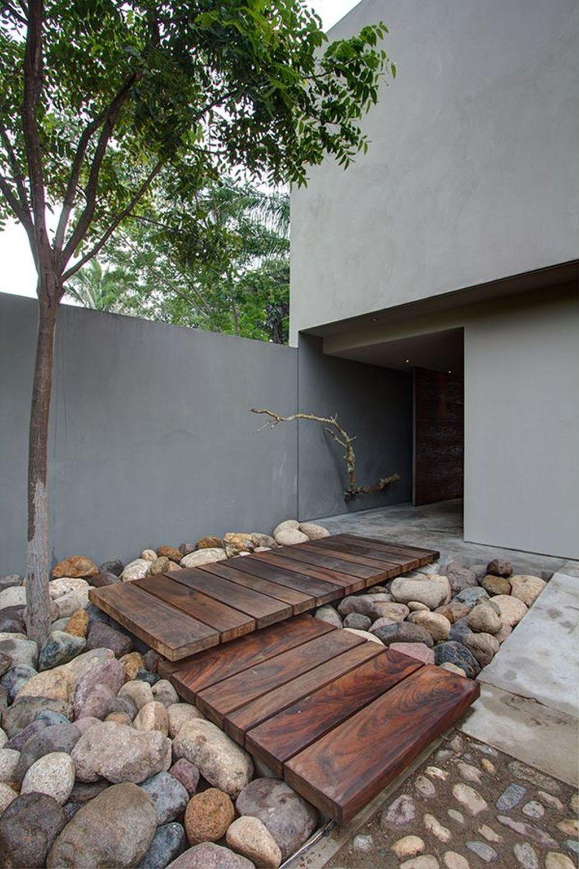 Stunning Front Yard Walkway Landscaping Design Ideas 06
