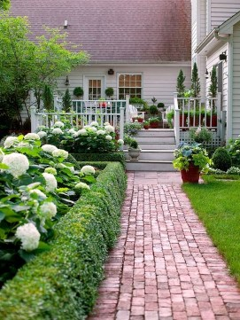 Stunning Front Yard Walkway Landscaping Design Ideas 09