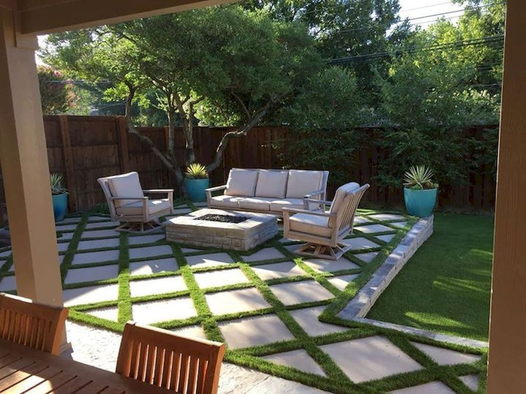 Stunning Front Yard Walkway Landscaping Design Ideas 16