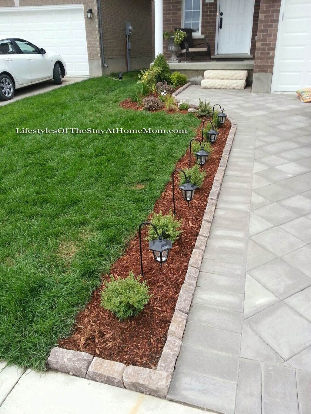 Stunning Front Yard Walkway Landscaping Design Ideas 25