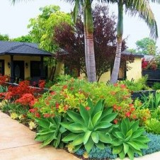 Stunning Front Yard Walkway Landscaping Design Ideas 35