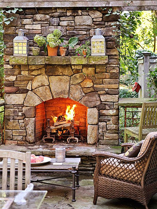 10 Ways To Create A Backyard Getaway Backyard Fireplace