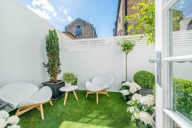 15 Minimalist Garden Furniture Ideas 18936 Garden Ideas