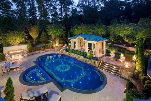 16 Stunning Mediterranean Swimming Pool Designs To