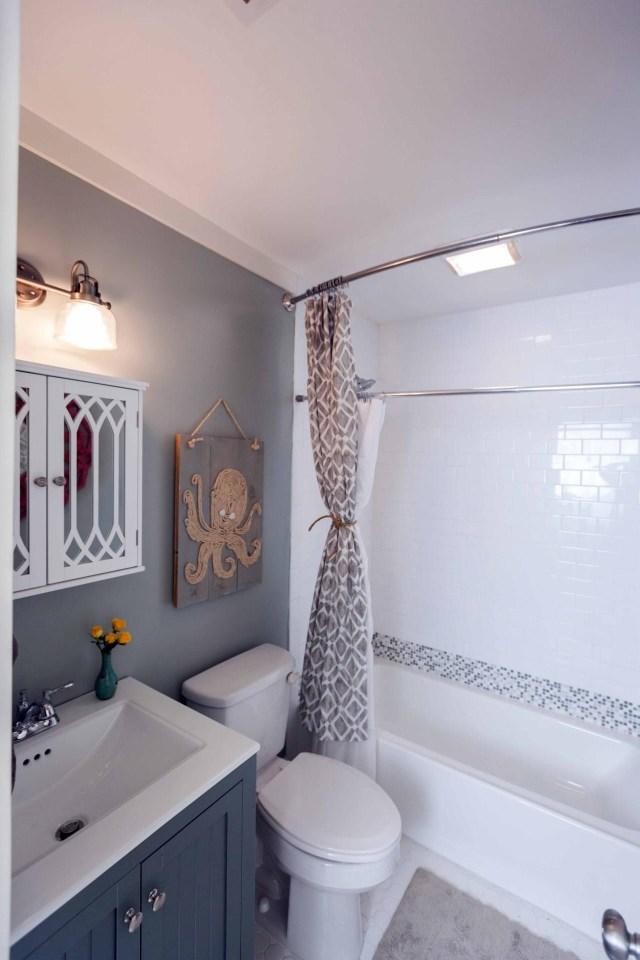 20 Small Bathroom Before And Afters Bathroom Design Choose Floor Plan Bath Remodeling