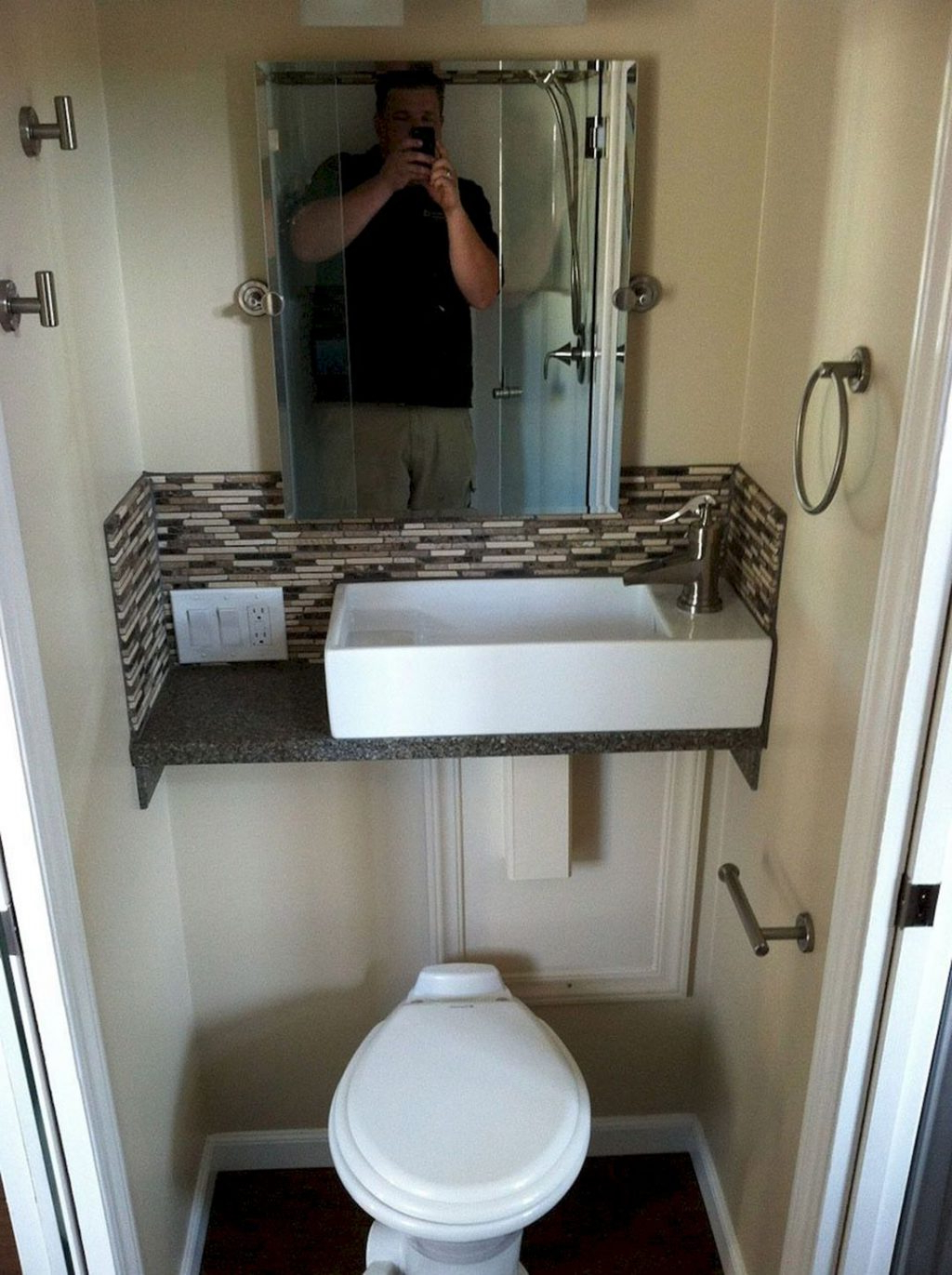 30 Best Skoolie Bathroom Ideas For You Who Want To Do Renovation Decorathing