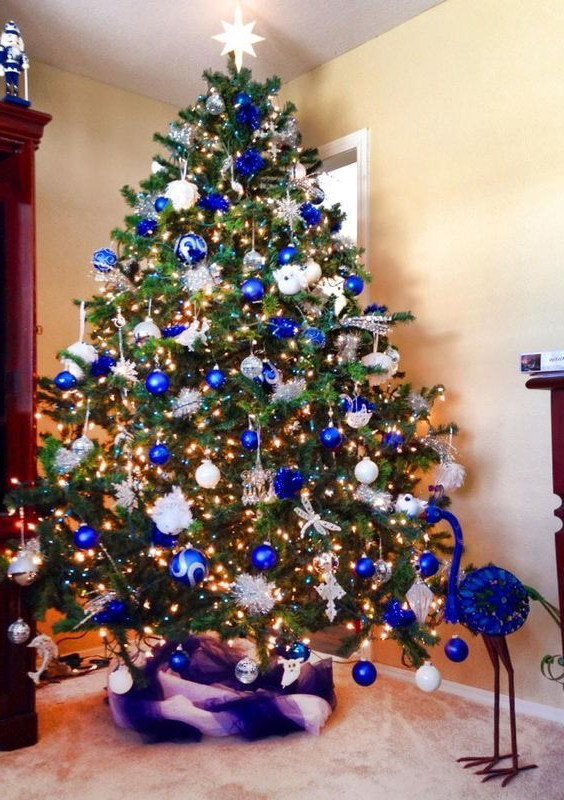 35 Frosty Blue And White Christmas Dcor Ideas Blue