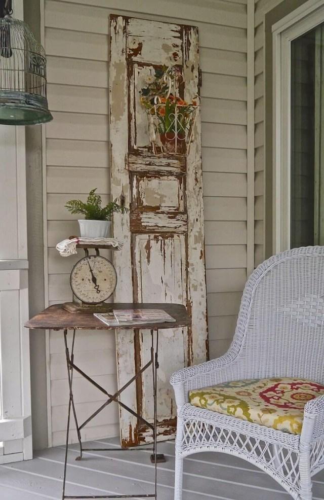 40 Rustic Vintage Porch Decor Ideas To Bring Warmth To