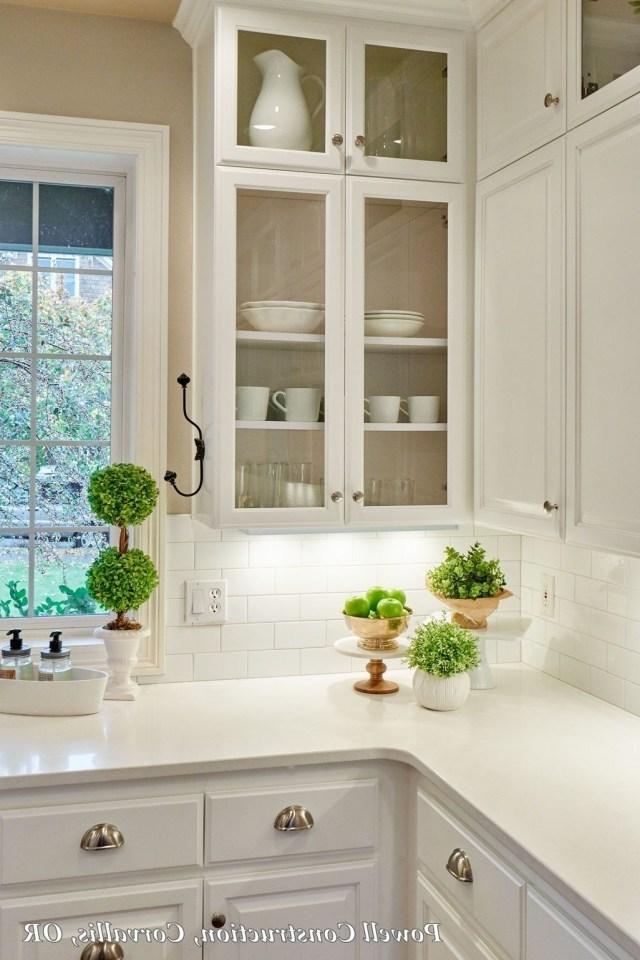 43 Awesome White Kitchen Backsplash Design Ideas