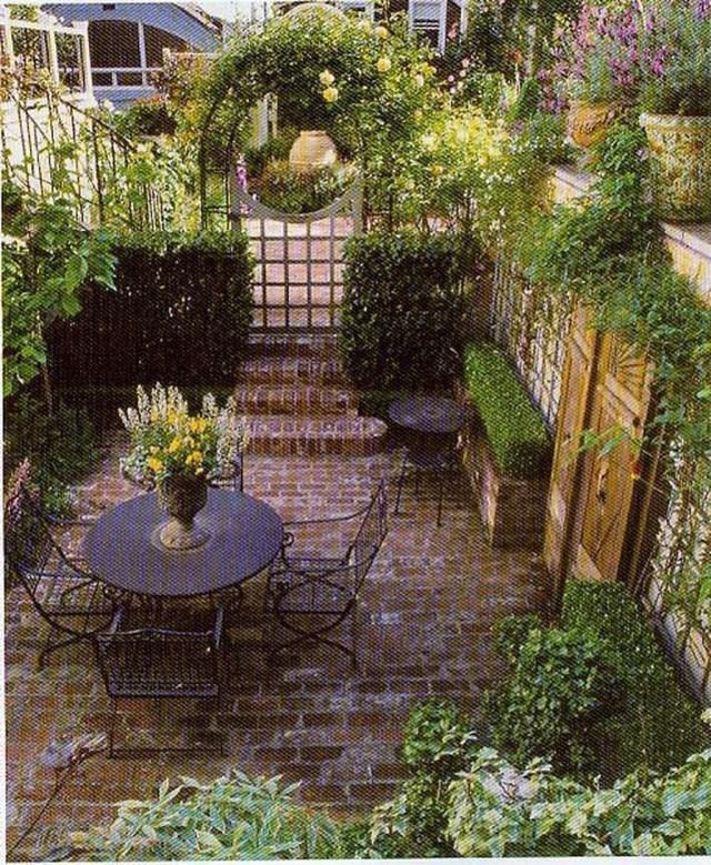 46 Beautiful Simple Backyard Ideas On Your Budget Small Backyard Landscaping Small Courtyard