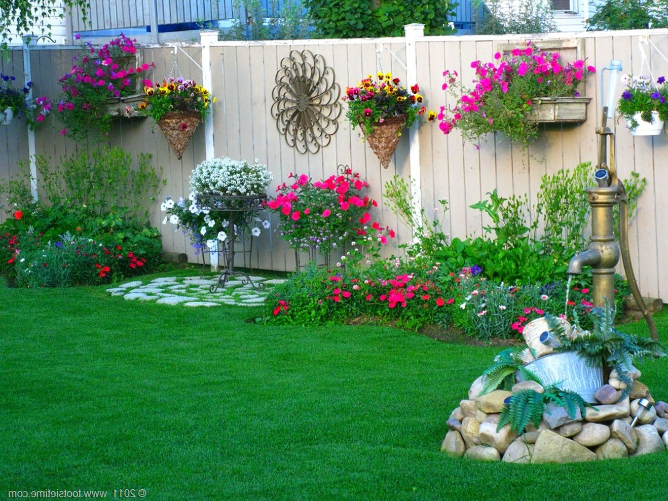 56 Beautiful Flower Garden Decor Ideas Everybody Will Love