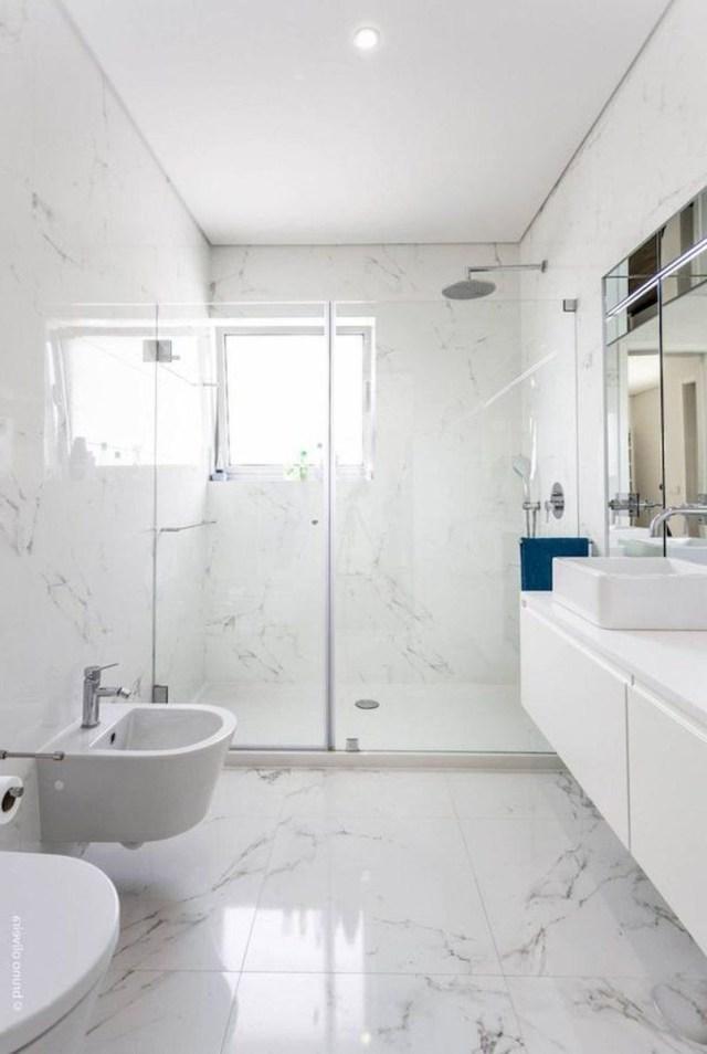 60 Elegant Small Master Bathroom Remodel Ideas 41 With