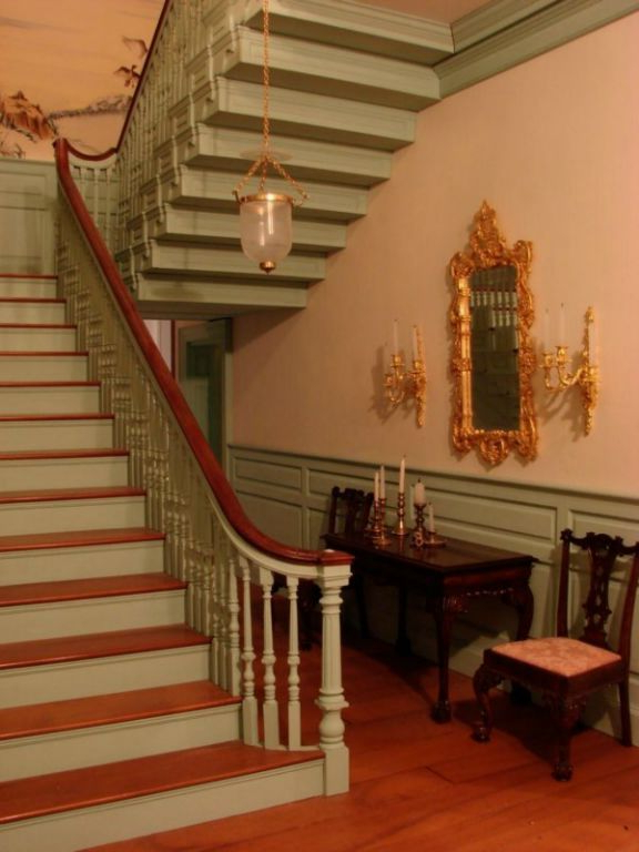 Amazing Miniature Staircase Dolls House