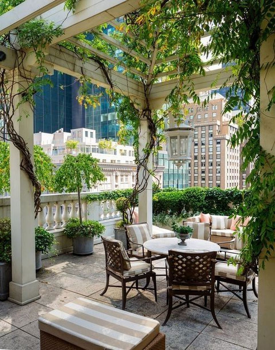 Amazing Rooftop Porch And Balcony Designs That Will