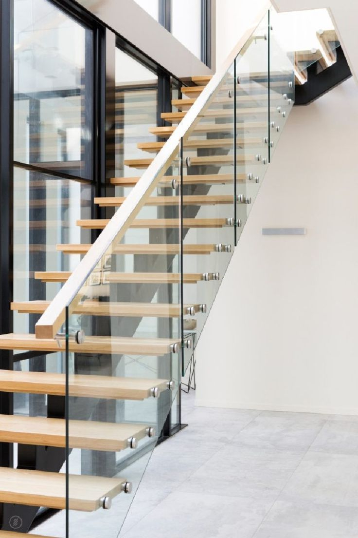Amazing Sleek Modern Glass Railing Stair Design Ideas 30