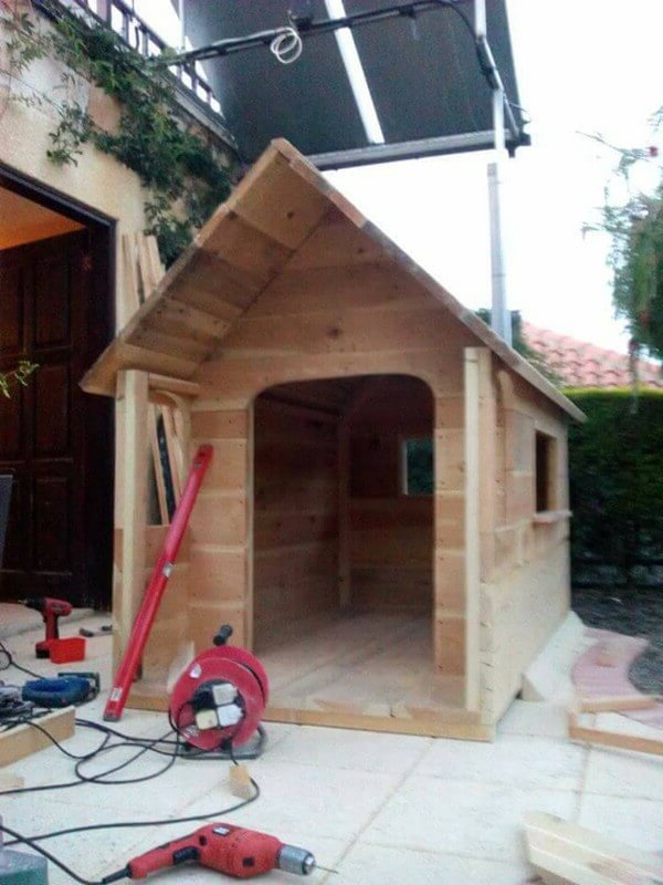 Awesome Wooden Pallet Playhouse For Kids Pallets Designs