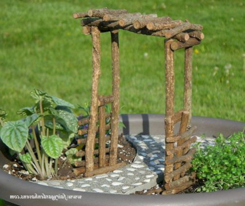 Beautiful Fairy Garden Ideas That Easy To Make It 031