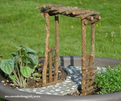 Beautiful Fairy Garden Ideas That Easy To Make It 031