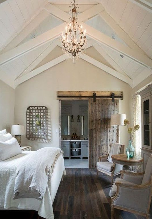 Beautiful Master Bedroom With En Suite Bathroom