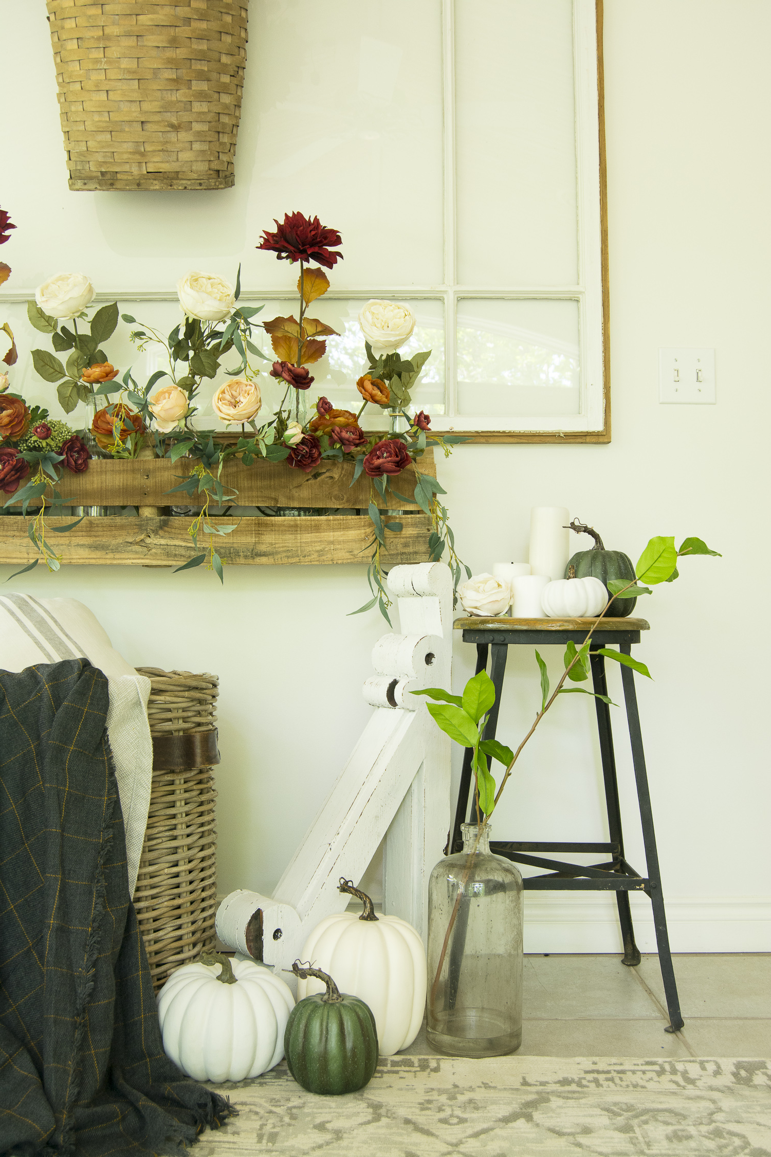 Cozy Fall Decor With Florals 12 Fall Home Tours
