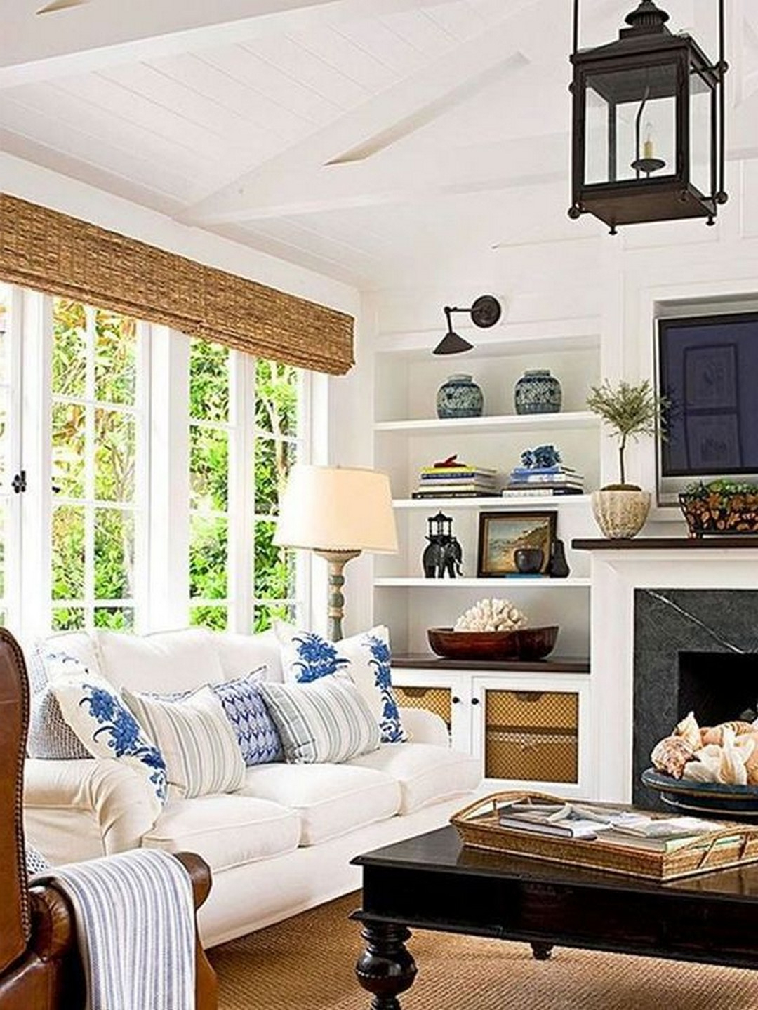 Elegant And Beautiful French Farmhouse Living Room Designs