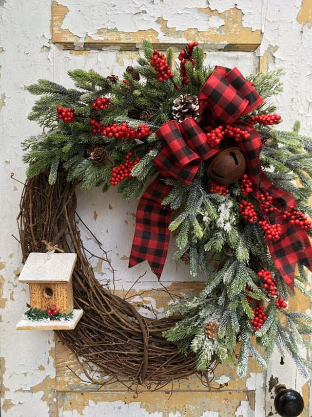 Elegant Rustic Christmas Wreaths Decoration Ideas To